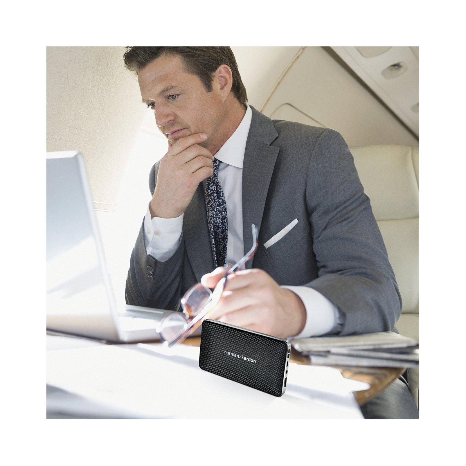 Esquire Mini - Brown - Wireless, portable speaker and conferencing system - Detailshot 8
